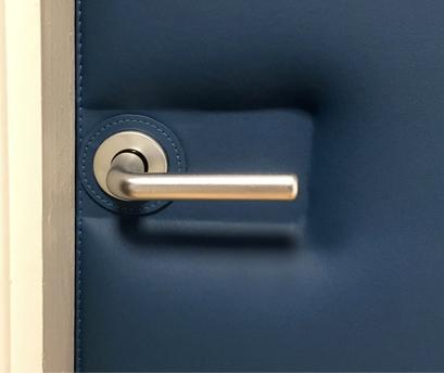 Déco - Réalisation Porte : Revêtement en cuir
