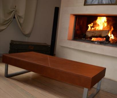 Table aspect cuir